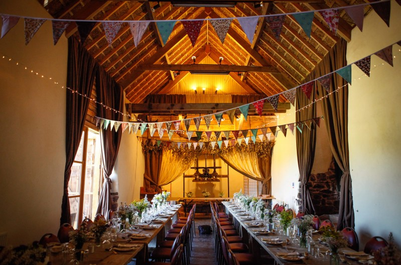 Partyvenuesuk Co Uk: Middle Coombe Farm