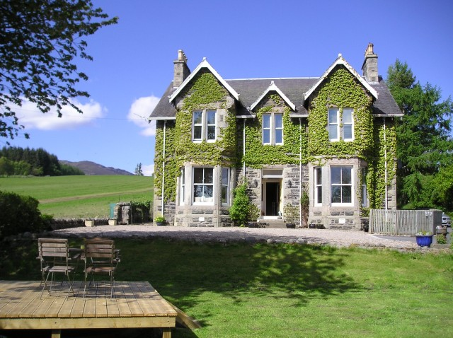 Kinnaird Country House Self Catering Cottage For Hen Parties In Grampian And Tayside Scotland