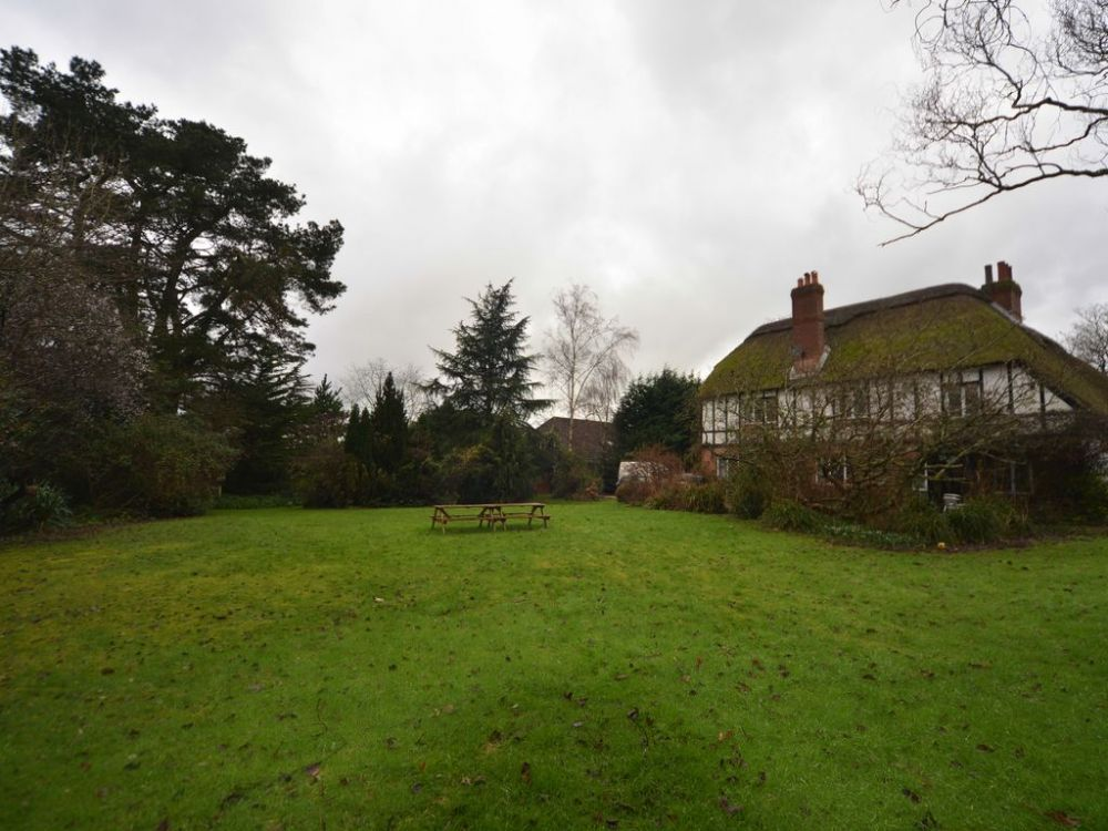 New Forest Manor House Self Catering Cottage For Hen
