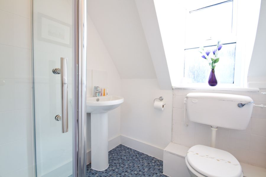 Number 95 Self Catering Cottage For Hen Parties In Sussex