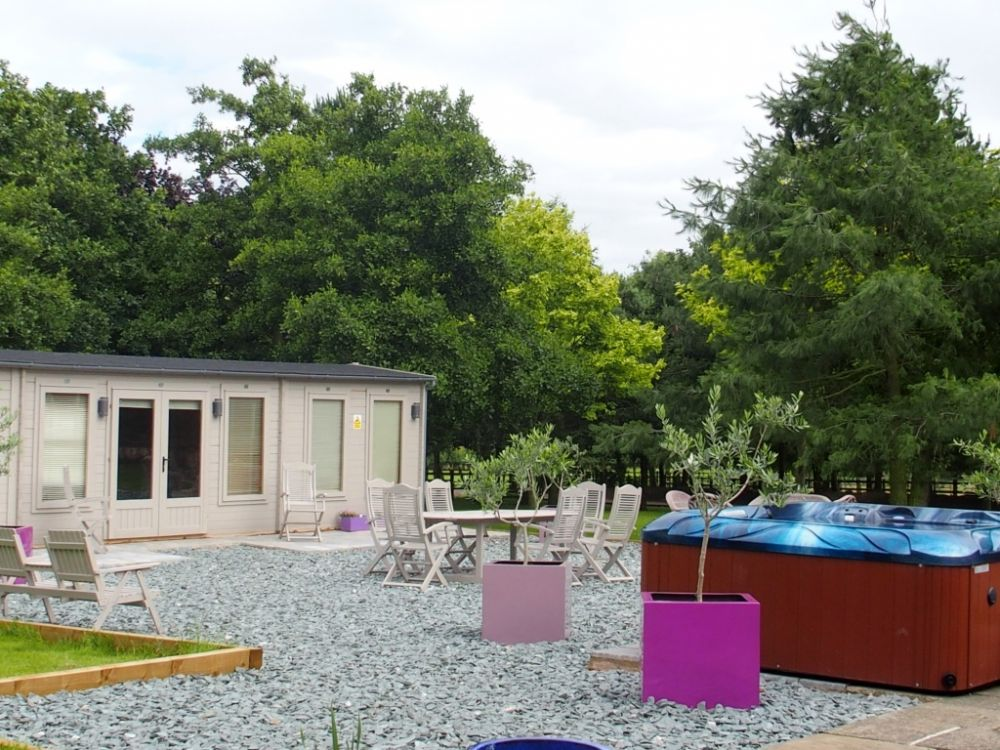 The West Wing Highfields Manor Spa Self Catering Cottage For Hen Parties In Leicestershire